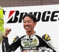 見事3位表彰台を獲得した福田充徳選手