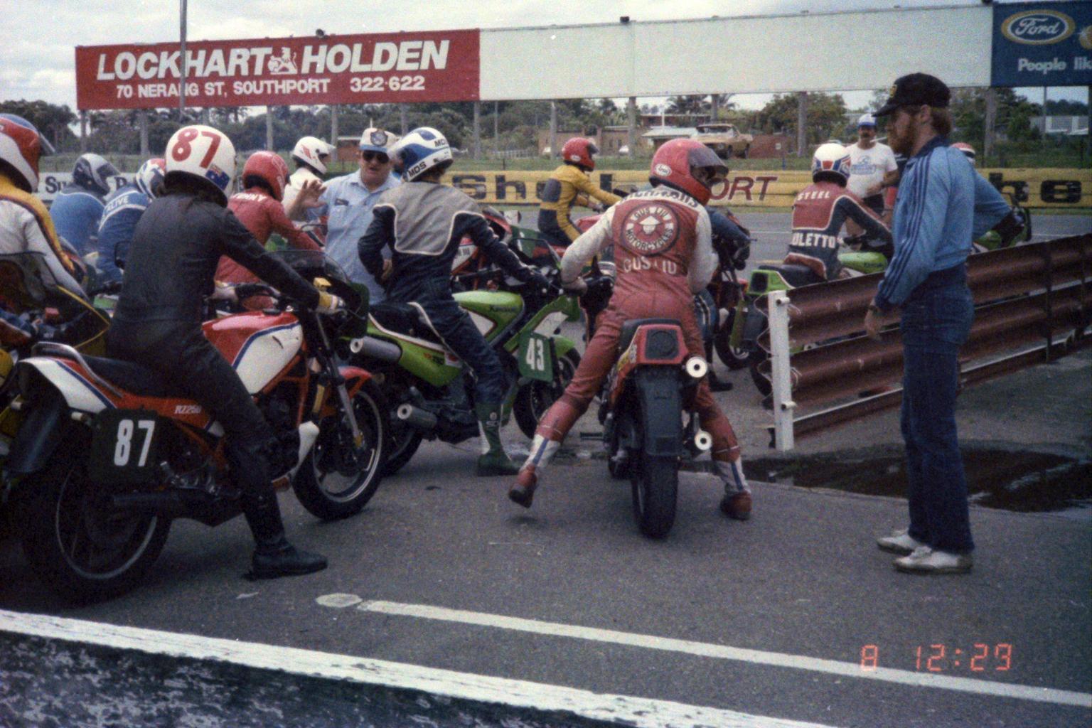 1984_Australia-12-8_1229