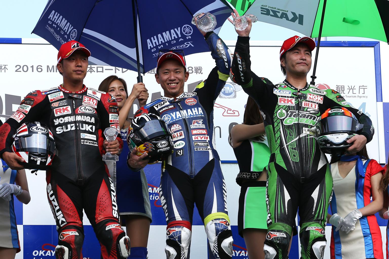 AS8Q2147_podium